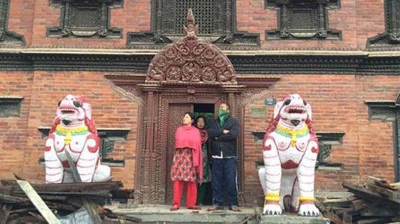 """尼泊尔""""活女神庙""""地震中屹立未倒"""