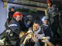 尼泊爾20歲男子地震被埋82小時後生還[組圖]