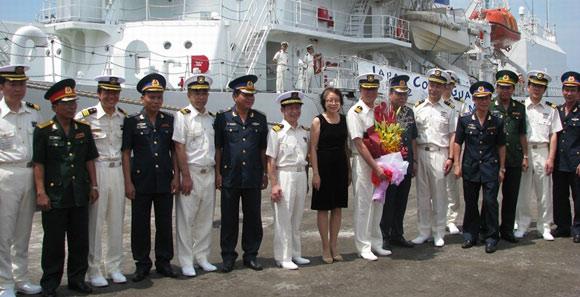 日本海保船抵達越南進行訪問