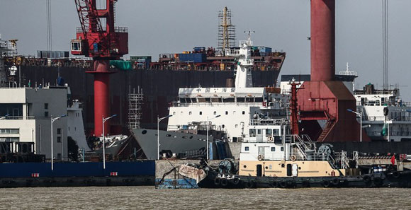 國産萬噸海警船已安裝主艦炮