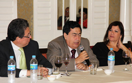 今日中国秘鲁代表处举办《习近平谈治国理政》座谈会