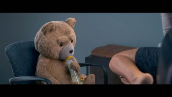 《泰迪熊2》曝限制级短预告 贱熊抽大烟(图)