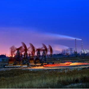 """美轮美奂""""石油城""""夜色长卷[组图]"""