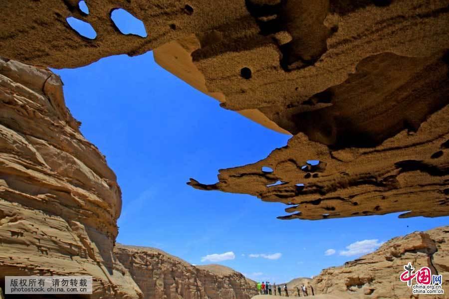 在新疆哈密拍摄的雅丹景观(6月20日摄)。中国网图片库 蔡增乐 摄