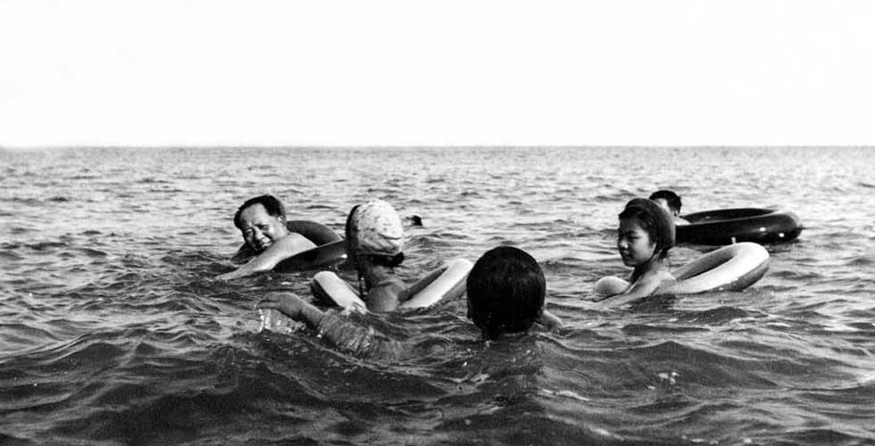 看领导人们如何过暑假