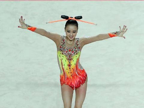 孙妍三级跳_韩国体操女神孙妍在夺冠 技术完美颜值高