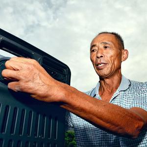 62岁乡村放映员四十年的坚守