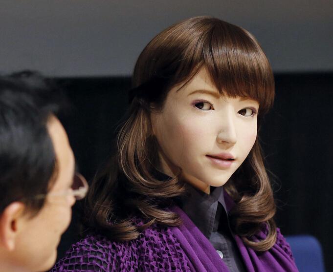 日本研发人工智能美女机器人