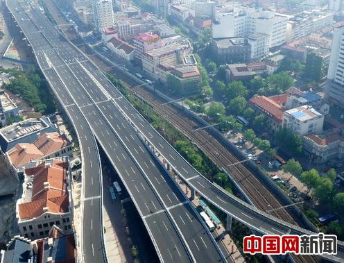 青岛:新疆路高架快速路主线通车