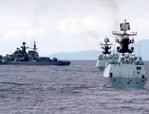 中俄艦艇海上聯演 近防炮絢麗開火