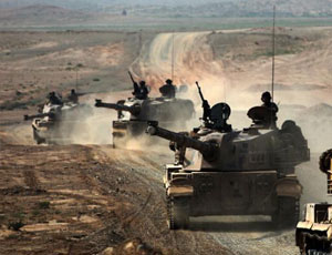 解放軍自行反坦克炮新涂裝亮相 摧毀坦克