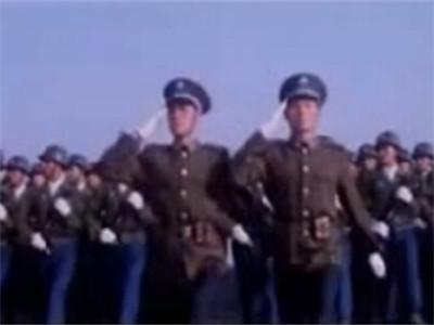 老片新説:從電影《大閱兵》看方隊之美
