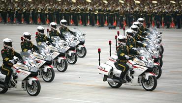 軍情24小時:探訪武警摩托車禮賓護衛方隊