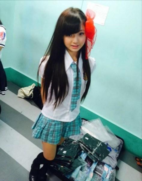 日本组团走红小学生,被网友惊呼女神。