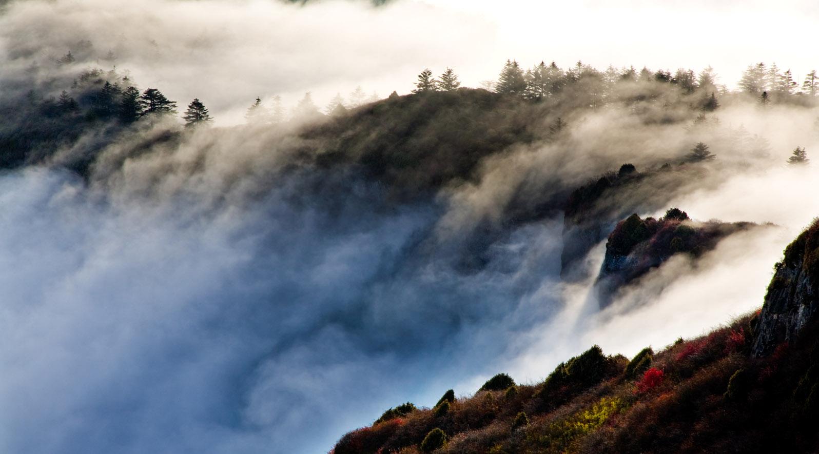 峨眉山旅游攻略:徒步上金顶 看五大奇观
