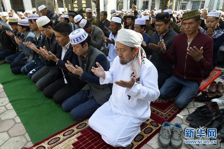 (社会)(2)宁夏200多万穆斯林欢度古尔邦节