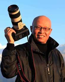 成卫东 中国民族画报社高级记者