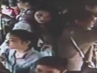 学生 被发现装聋哑人