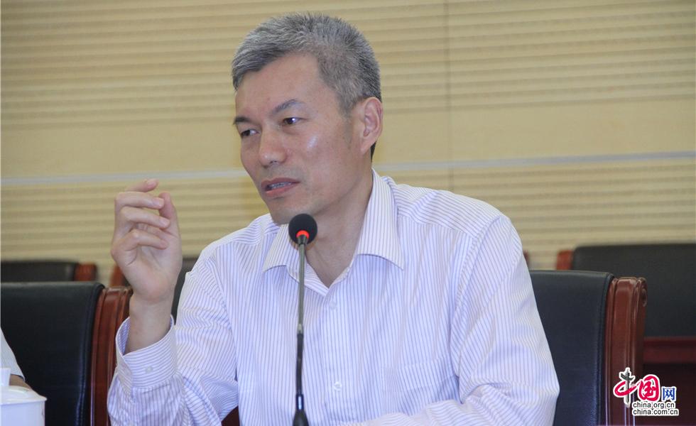 南通海门市教育局党组书记、局长许新海发言