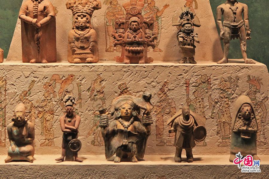 墨色傾城(三十)瑪雅太陽曆石,一齊倒數世界末日