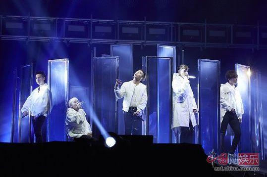 BIGBANG日本巡演开启 昨日云集5.5万观众(图)