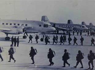 图说中国空降兵历程:老式伞塔运输机曝光