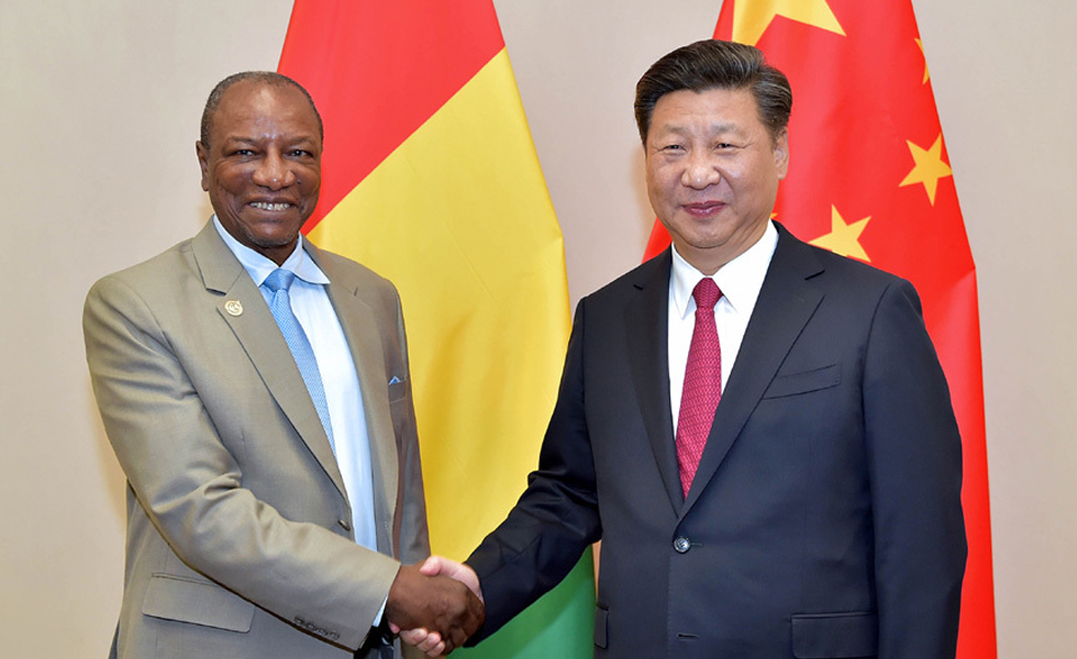 习近平会见几内亚总统孔戴