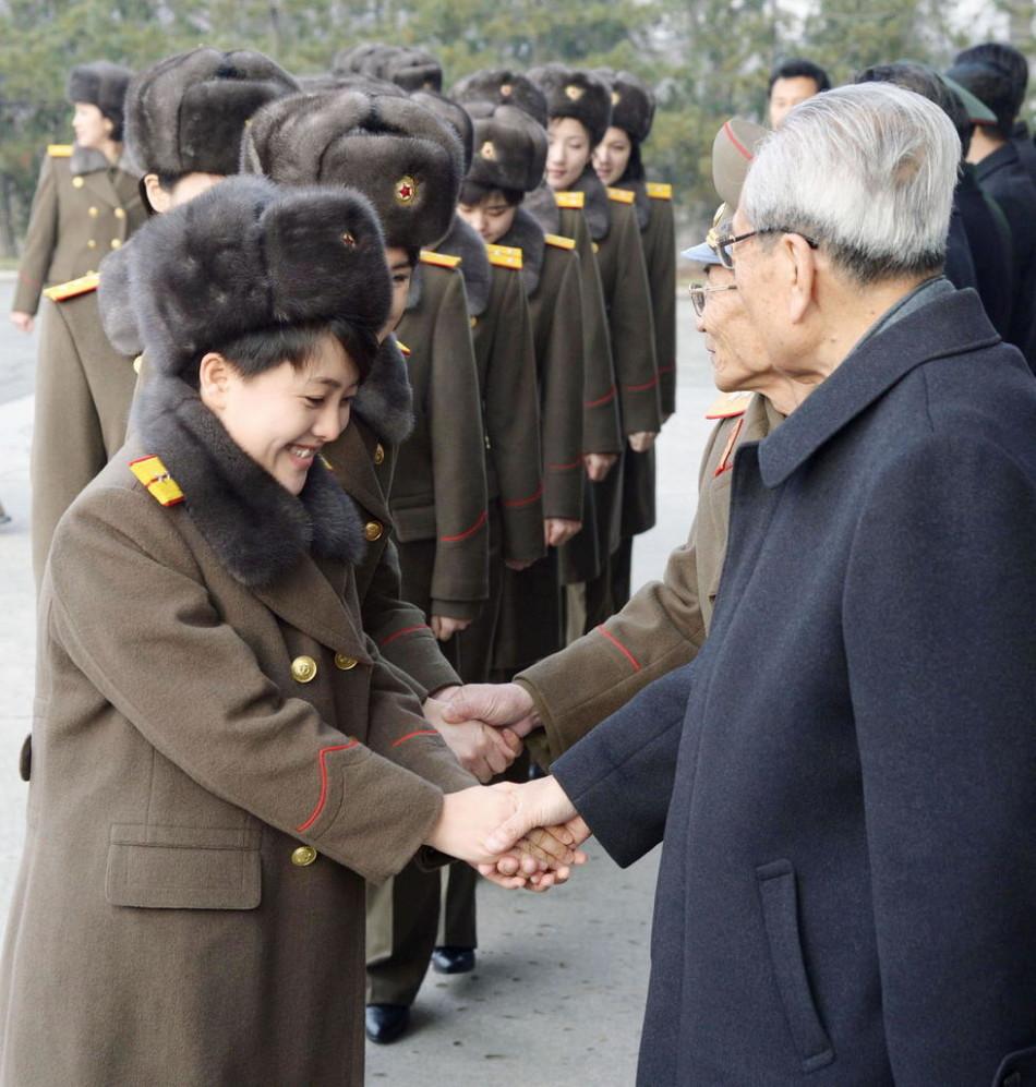 朝鲜第一女团牡丹峰演唱---《优等生》