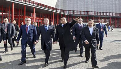 李克强与各国总理如意湖畔漫步