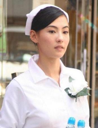 女明星制服v女生瞬间:全智贤御姐范柳岩巨乳抢女生完整性感胸露图片