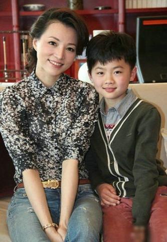 赵薇董卿李玟莫文蔚 揭一结婚就当后妈的女星