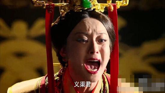 明星惊悚照PK:孙俪狰狞邓超难直视 Baby香肠嘴