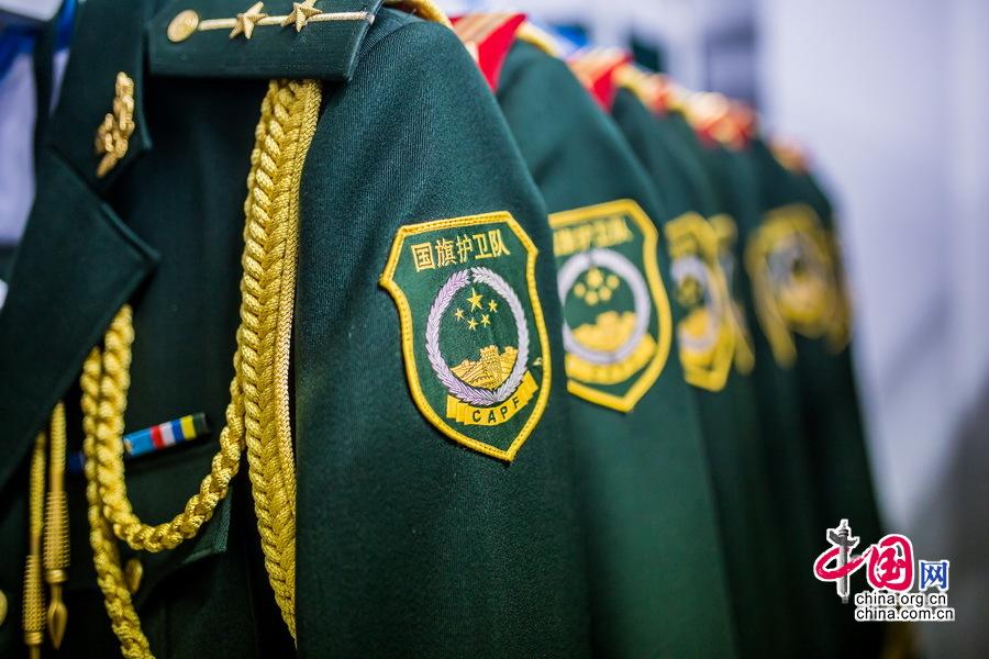天安门国旗护卫队员的警服。中国网记者 郑亮摄影