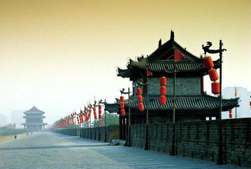 """建筑结构 砖石垒砌vs""""土包子""""结构 南京城墙从墙基到顶部,用的都是"""