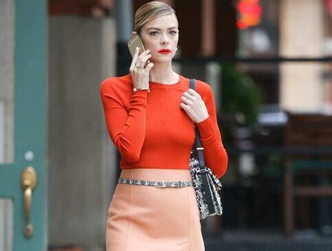 半身裙 知性 针织衫 穿裙子 粉色 百搭 麂皮 性感 复古 风情