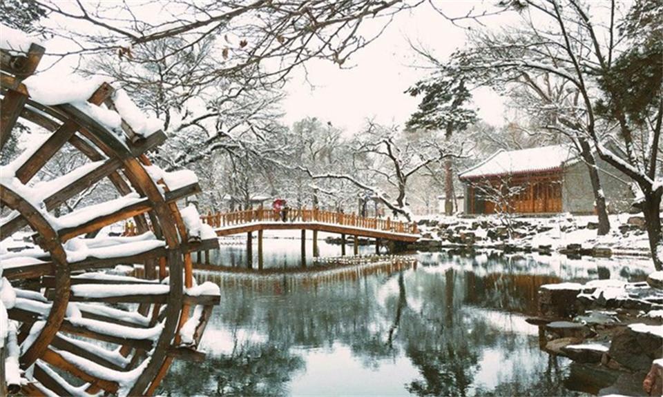 雪落承德 避暑山庄尽显华美气质