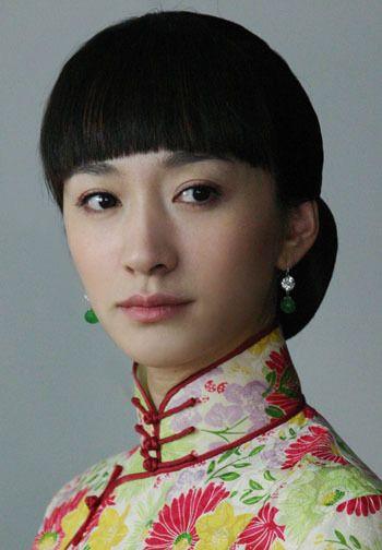 李小冉后来在《故梦》《凤穿牡丹》等民国剧中的俏丽
