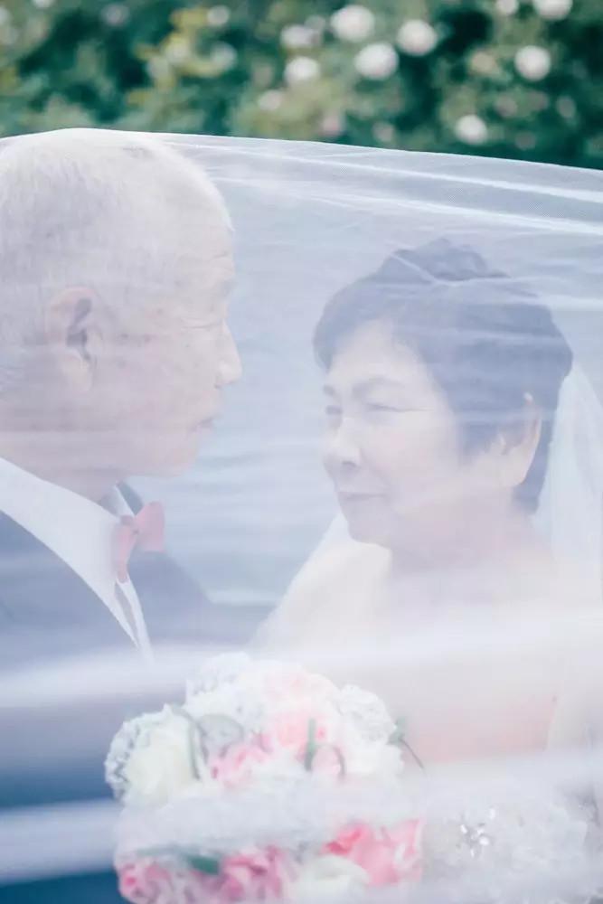 40后婚纱照让90后哭成狗