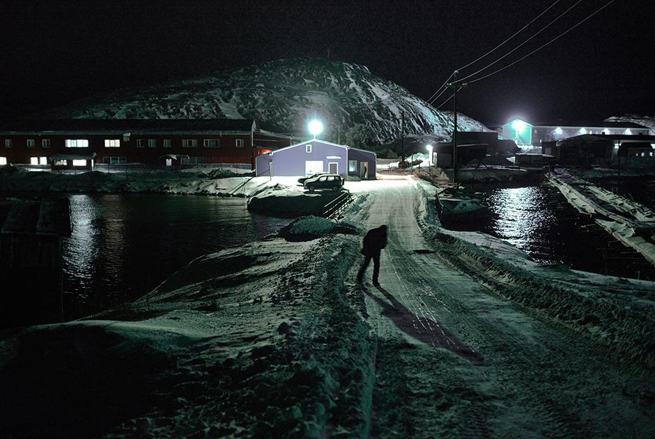 俄摄影师拍摩尔曼斯克极夜美景 宛如童话王国