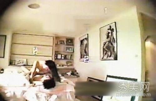 专题:床照女星 璩美凤性爱光盘案发生在2001年,当时出任新竹市文化