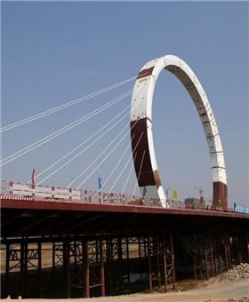 """郑州建最独特大桥 巨大圆环似""""摩天轮"""""""