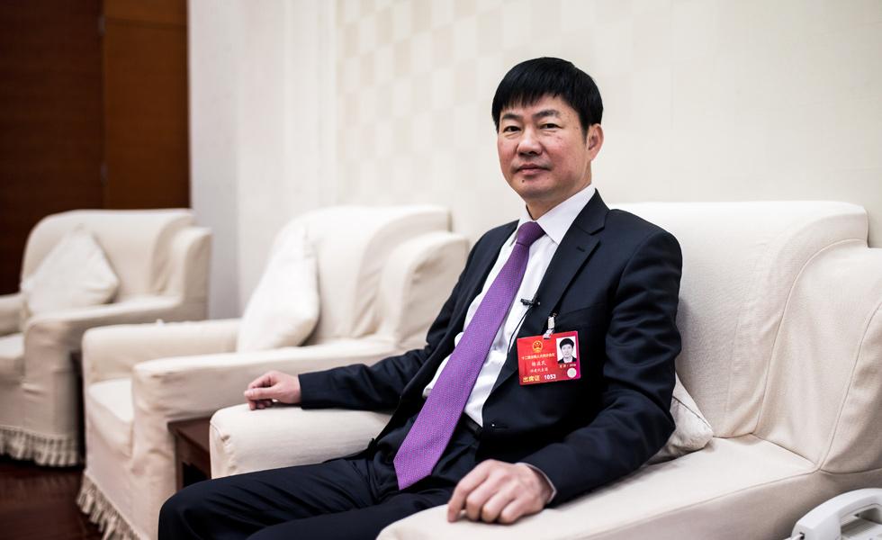 福州市长杨益民:精准扶贫 多策并行[组图]