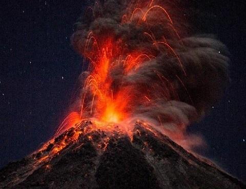 墨西哥 实拍火山喷发瞬间