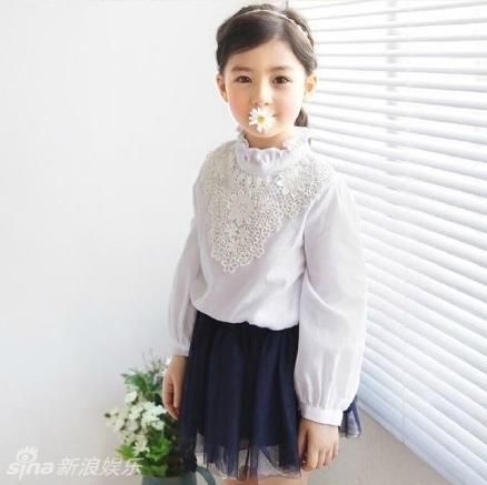 治愈神器!5岁混血宝宝模特大眼萌网络走红(图)