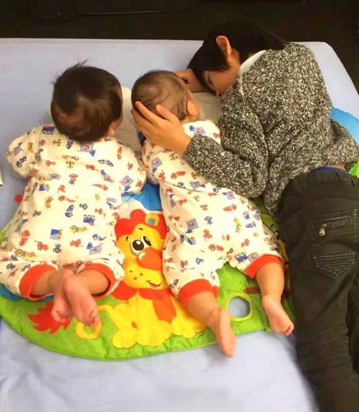 林志颖晒出kimi和双胞胎儿子的照片.(资料图)图片