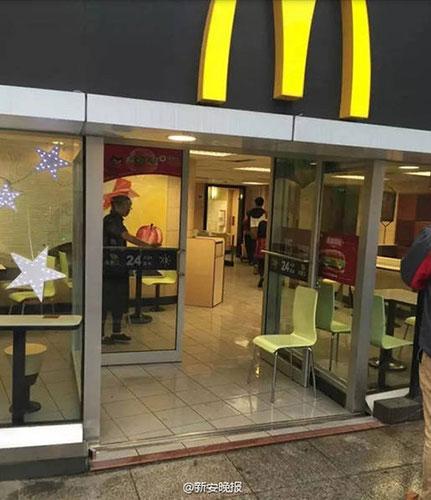 麦当劳砍人事件 伤者窗边熟睡被砍真相竟是这样图片