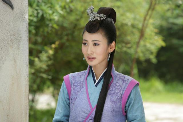 她是唐嫣同学 有演技 出道十年作品不少就是不红