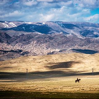 新疆: 初夏的巴里坤大草原