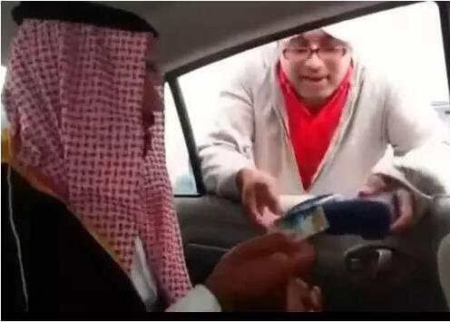 潜入飞机偷渡去迪拜