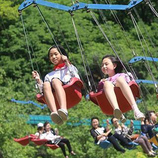 """朝鲜儿童欢度""""六一""""国际儿童节[组图]"""